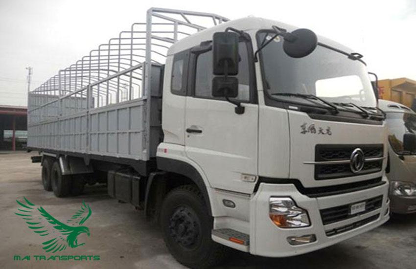 Xe tải 15 tấn vận chuyển hàng hóa