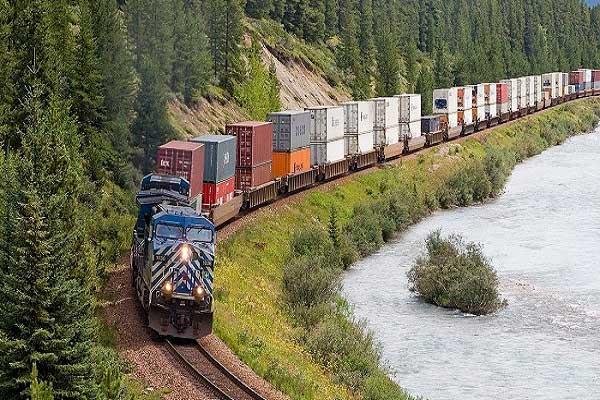 chuyển hàng bằng đường sắt