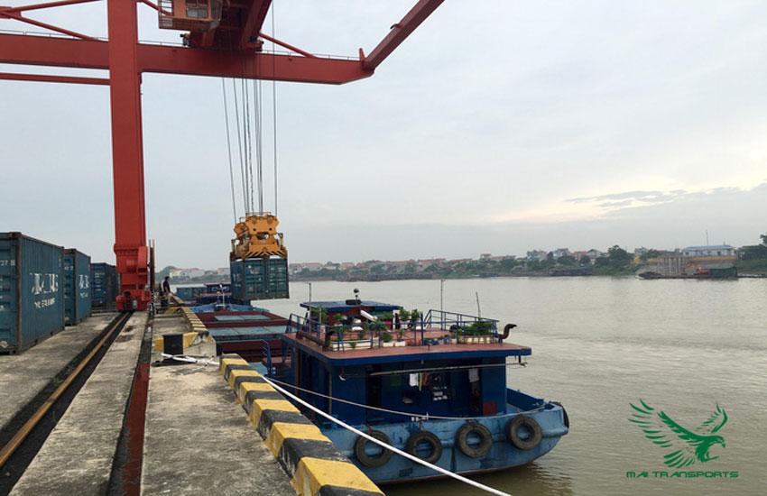 Dịch vụ vận chuyển ô tô bằng đường thủy
