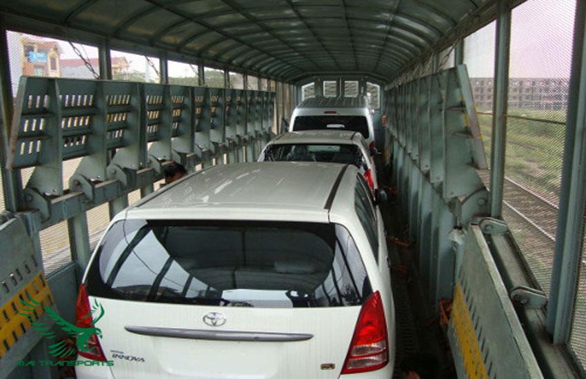 Vận chuyển ô tô bằng xe tải