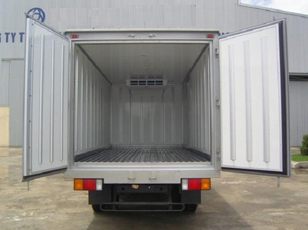 Thùng xe tải đông lạnh - phục vụ cho các mục đích như vận chuyển hàng đông lạnh, rau củ quả…(nguồn Hyundai miền Bắc)